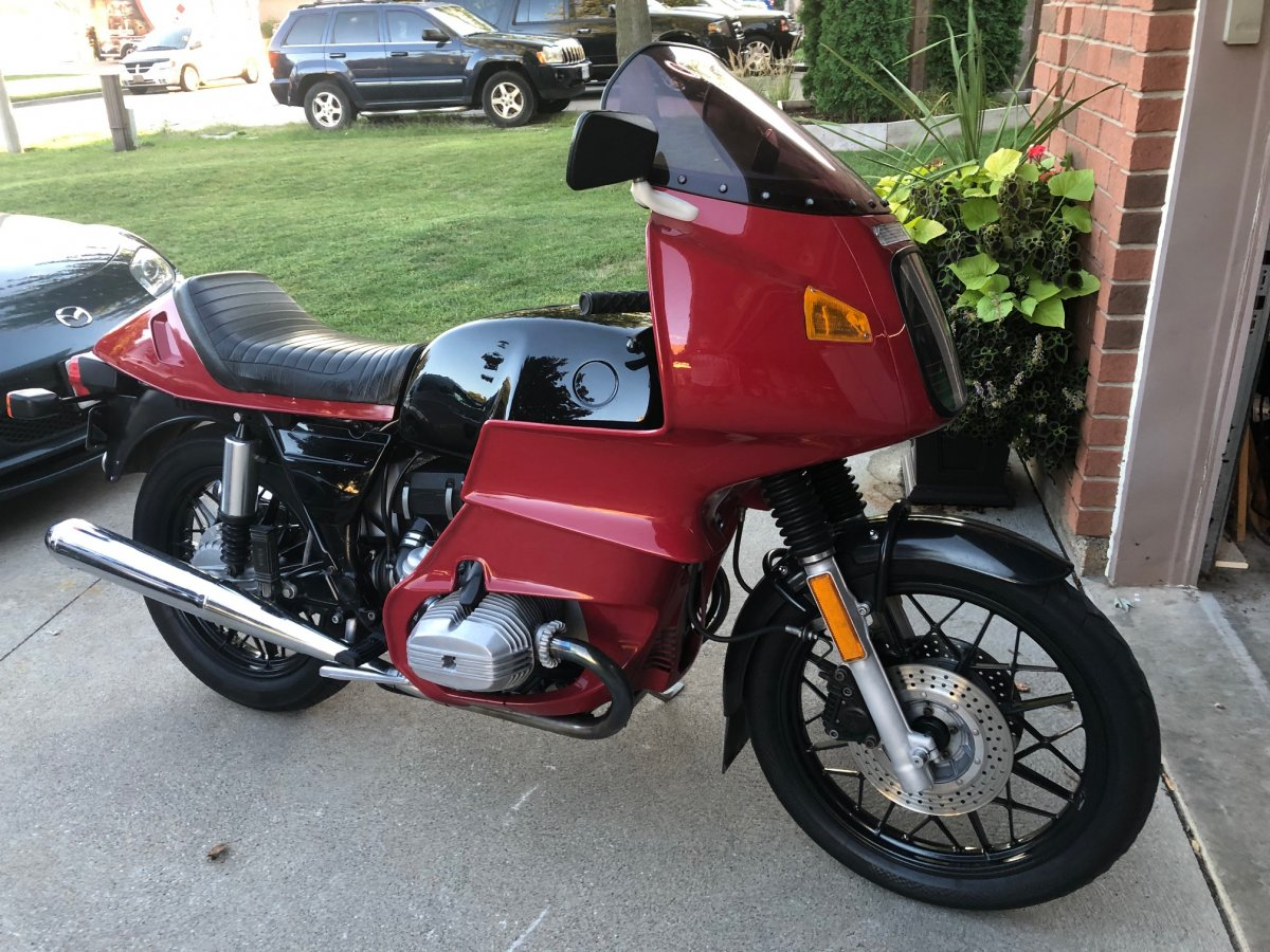 1983_R100RS-RH-front_solo.jpg