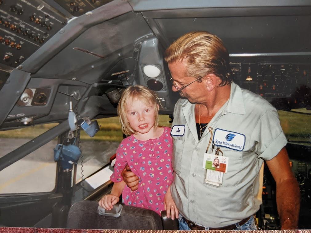 Amber in a 727.jpg