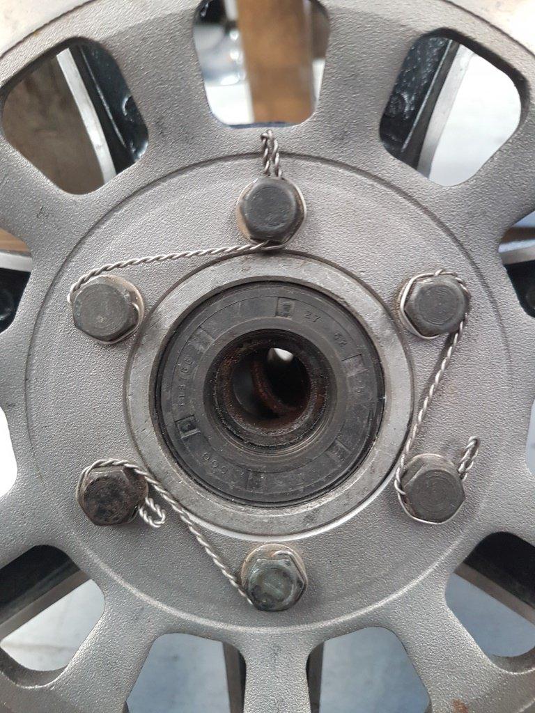 lock wire.jpg