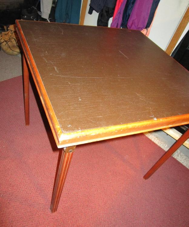 table 006.JPG
