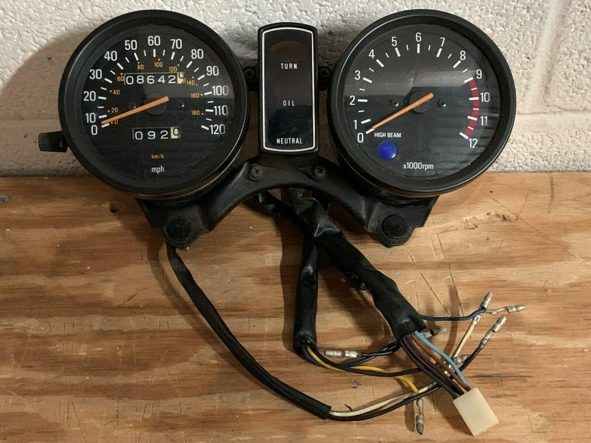 xs400 gauge1.jpg