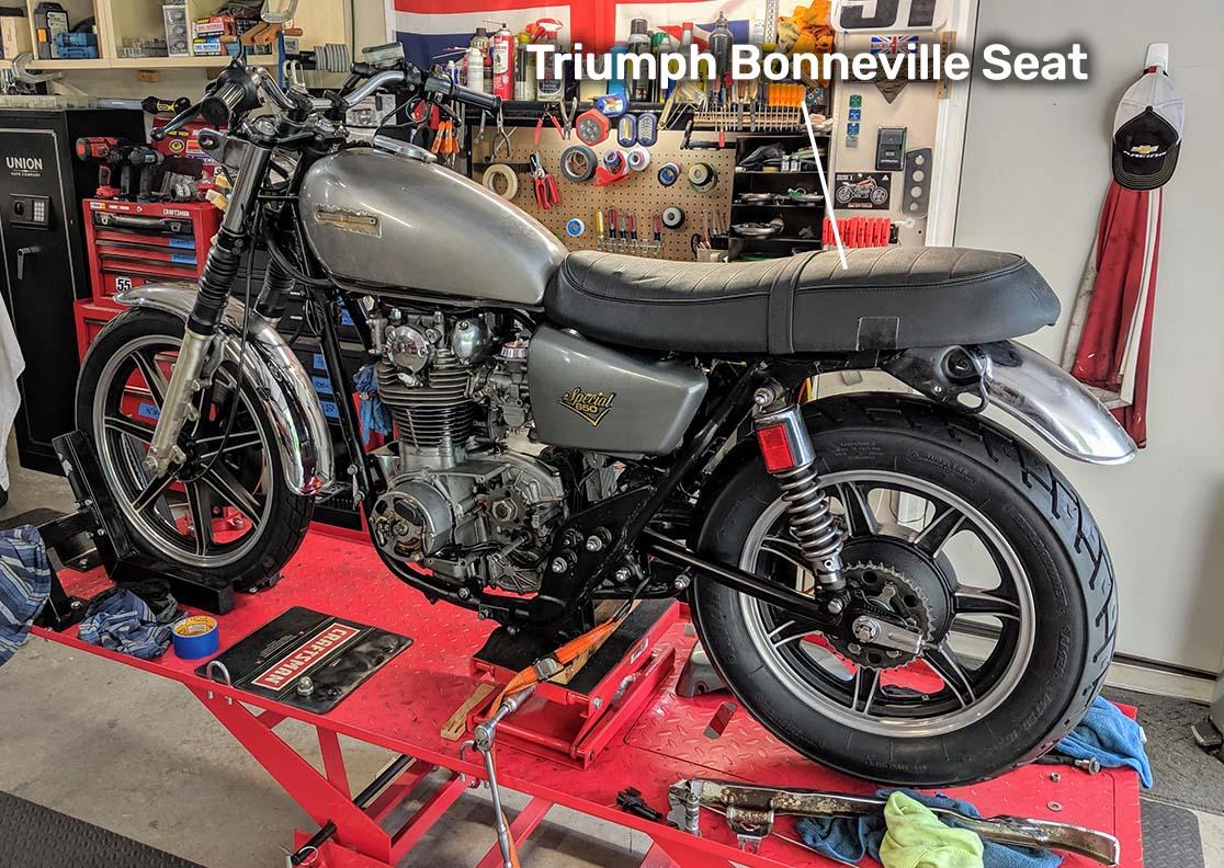 xs650-bonneville-seat.jpg